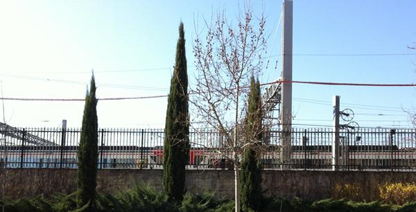 Tren de cercanías desde la calle Téllez