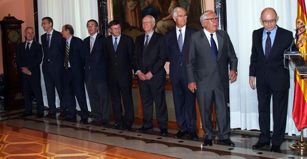 Comisión de expertos con el Ministro de Hacienda y AA.PP.