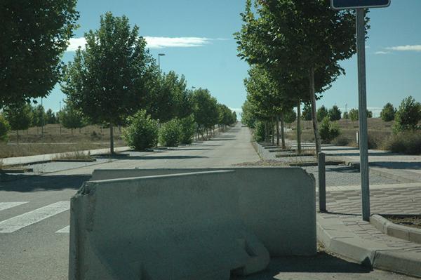Calle de la urbanización Ciudad Valdeluz en Yebes