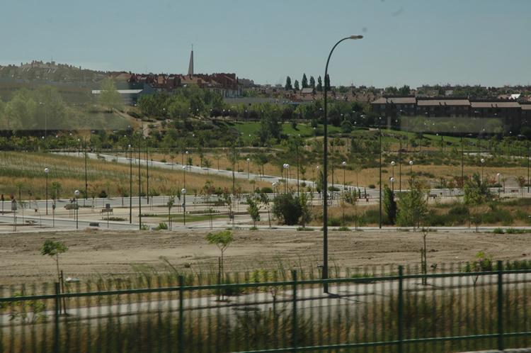 Terrenos urbanizados, con parque incluido, sin edificar. Madrid